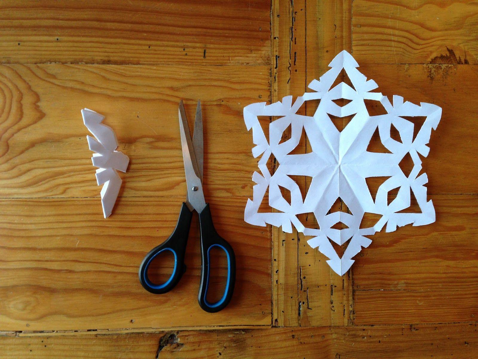 Как снежинки можно сделать из бумаги